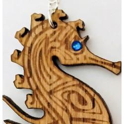 Orecchini in legno pendenti CAVALLUCCIO MARINO www.personalizzazionelaser.it