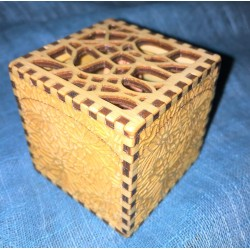Scatola in legno con incisione personalizzata laser www.personalizzazionilaser.it