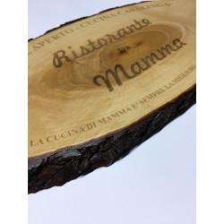 Tagliere in legno con corteccia ed incisione personalizzata laser www.personalizzazionilaser.it