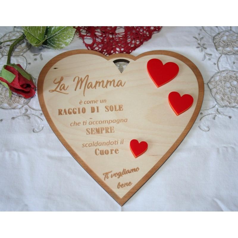 Targa in legno a forma di cuore Mamma con incisione personalizzata laser www.personalizzazionilaser.it