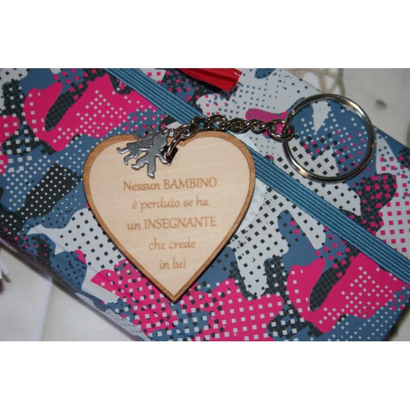 Portachiavi personalizzato a forma di cuore regalo di fine anno maestra/insegnante  www.personalizzazionilaser.it