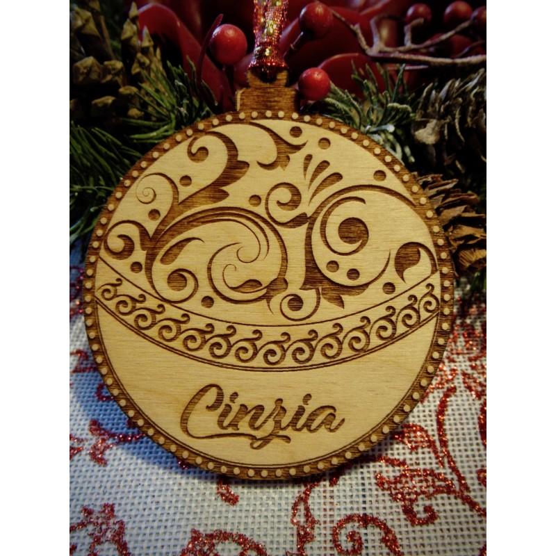 Pallina albero di Natale con nome personalizzato incisa al laser  www.personalizzazionilaser.it