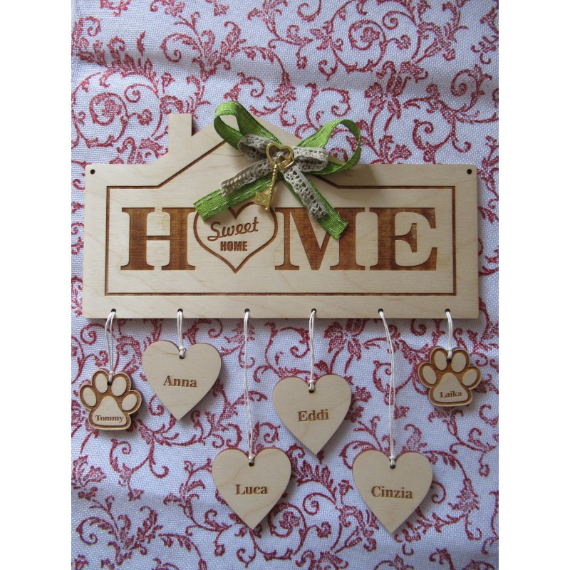 Targa in legno nomi famiglia HOME SWEET HOME con incisione al laser personalizzata www.personalizzazionilaser.it