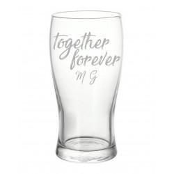 San Valentino set da due bicchieri da birra con incisione laser personalizzata www.personalizzazionilaser.it
